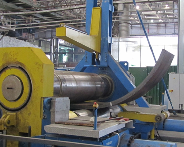 Bending machine for steel rolling