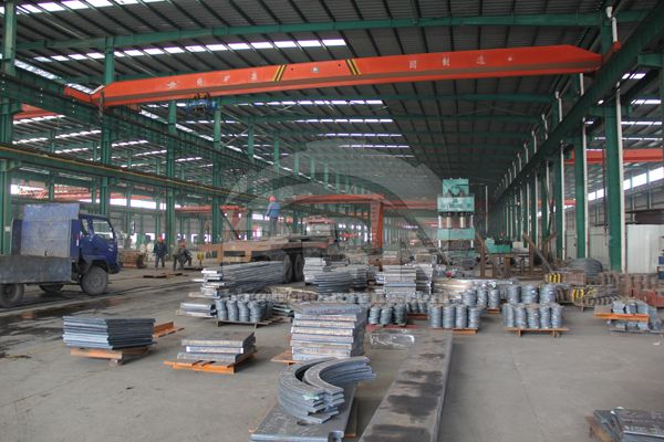 329tons Stainless Steel Plate & 1680 Ton Pressure Steel Plate to Vietnam